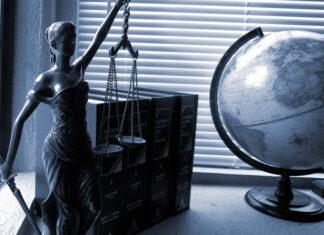 Czy warto korzystać z usług radcy prawnego